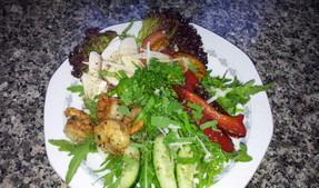 frische Salate mit Liebe zubereitet